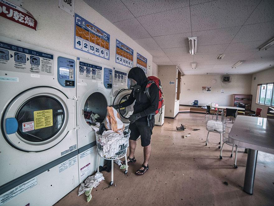 man-sneaks-into-fukushima-exlusion-zone-today-4
