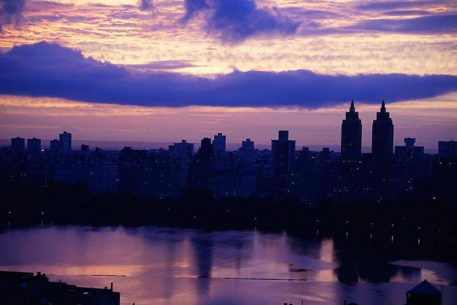 Breathtaking-Purple-Sunset-Over-New-York-10-900x601